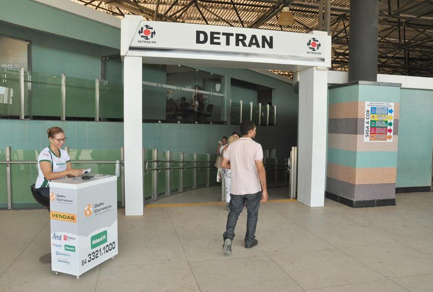 Resultado de imagem para Greve do Detran-RN. Servidores paralisam serviços por tempo indeterminado.